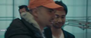 Люди ничего не делают: Успех в Японии